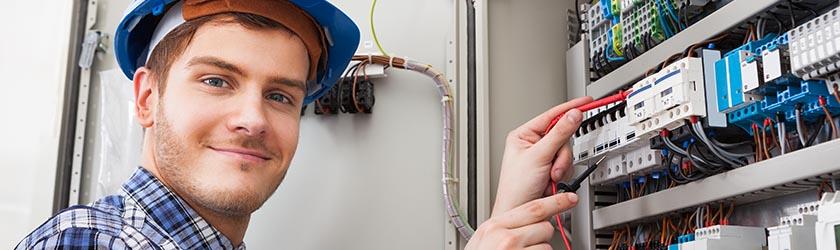 elektricien in de buurt van Uitgeest